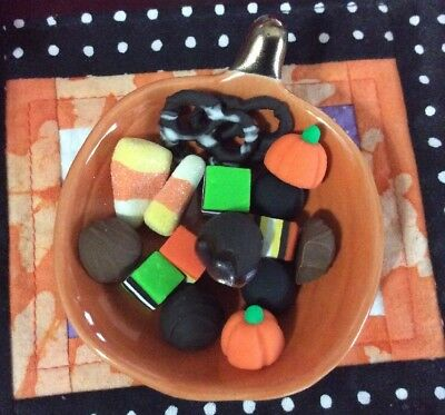 Fun Halloween Food Dishes (A.G.CREATION Doll Play Food: 17 Piece Halloween Candy Dish)