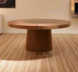Quatropi Round Dining Table