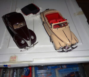 Danbury Mint 41 Chevrolet Convertible 40 Ford Coupe 1/24 Diecast
