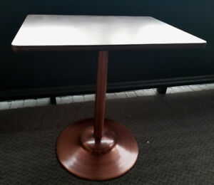 Like New Small Table - $100 / Delivery Available