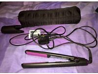 GHD's v.5 with travel case