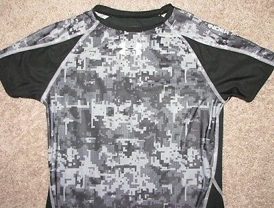 Under Armor Boys Black Gray Short Sleeve Heat Gear Shirt SZ XL