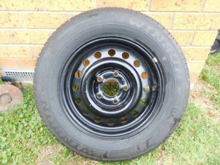 VS Commodore  15 inch tyres and rims
