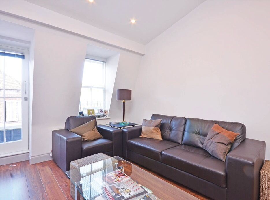 2 DOUBLE BEDROOM, Reception with open-plan kitchen diner, PRIVATE BALCONY in Westminster