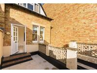 2 bedroom flat in South Parade, Central Summertown, Oxford