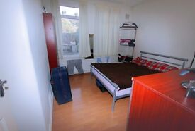 Available now 2 bed room flat furnished with garden e17