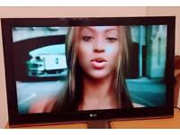 """LG 42"""" LCD TV PERFECT WORKING """" USB compatible """"+ Remote"""