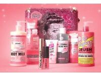 Soap and Glory Gift Set The Whole Glam Lot Metal Suitcase