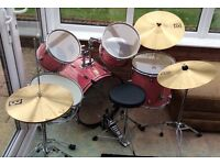 Baby pink drum kit in great condition. I CAN MAKE OFFERS WITH THE PRICE IF ITS TOO HIGH