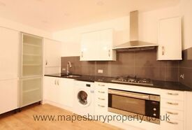 4 Bedroom House to Rent in NW6 Kilburn - Ideal for Family - Near Kilburn Station - Available Now