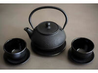 Tetsubin Japanese style Cast Iron Teapot with two matching black tea cup and round coasters