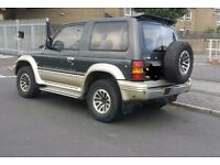 Mitsubishi pajero 4x4 **rare manual ** diesel ** cheap **