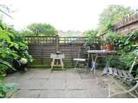 Absolutely lovely one bedroom with garden in the heart of Stoke Newington! Available this month!