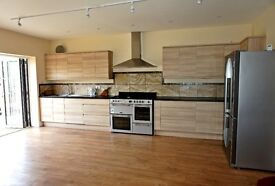 4 Bedroom, 3 Bathroom, 2 Reception rooms available in Edgware