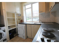A stunning 2/3 double bedroom flat with private patio in between Highgate & Archway tube stations