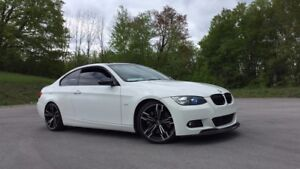 RARE BMW 335i WHITE ON RED M PACKAGE 6 SPEED