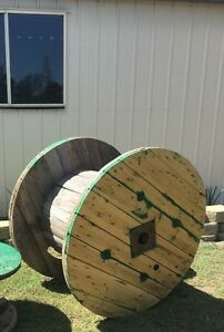 Large cable wheel wooden wheel Yamanto Ipswich City Preview