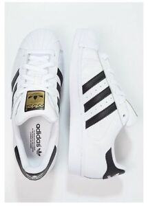 White Adidas all-stars !