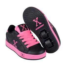 Children's Black&Pink Sidewalk Sports Trainers (with wheels) Hardly Worn, Size 13 £10