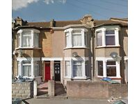 DSS WELCOME WITH A GUARANTOR - NEWLY REFURBISHED 4 BEDROOM TERRACED HOUSE - EDMONTON, N9