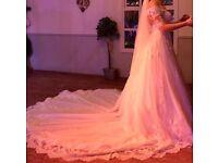 Wedding dress size 12 - Pronovias