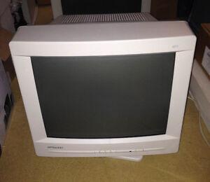 """Optiquest Q71 17"""" CRT Monitor"""