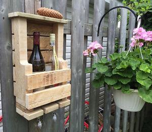 Support à vin à suspendre au mur 2 bouteilles de vin et 2 coupes West Island Greater Montréal image 2