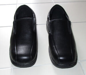 Boys black dress shoes size 3 *Only worn once