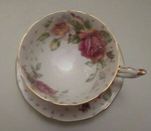 PARAGON BY APPOINTMENT TO HER MAJESTY THE QUEEN TEA CUP & SAUCER Edmonton Edmonton Area image 2