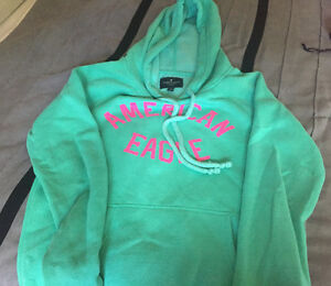 American Eagle sweat shirt