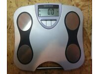 DIGITAL - ELECTRONIC BODY FAT SCALES