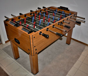 Foosball / Soccer Table (Fussball/Fuzball)