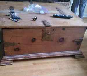 large wooden trunk/table Peterborough Peterborough Area image 4