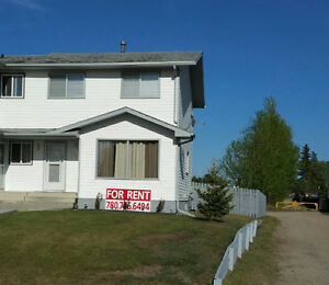 Immaculate Newly Renovated 4 Bedroom Duplex - Whitecourt