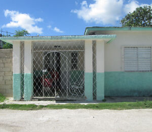 Spacious Room 4 Rent in Santa Clara, Cuba - Hostal Cuenca