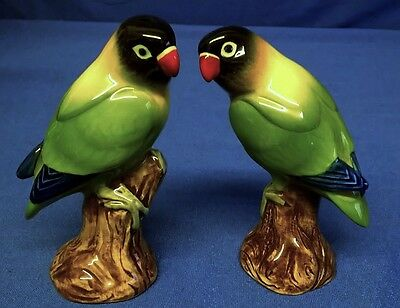 QUAIL CERAMIC BLACK HEADED LOVE BIRDS SALT & PEPPER POTS CONDIMENT OR CRUET SET
