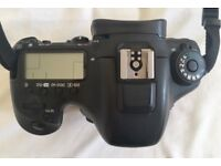 canon EOS EOS 7D Mark II 20.2MP mint condition with 50m lense