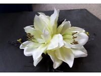 Large 2 lilies on a black lace hairclip, very good condition