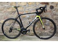 COST £2350+. 2017 GIANT TCR ADVANCED PRO 2 CARBON ROAD RACING BIKE. GIANT SLR-1 CARBON WHEELS. 7.5KG