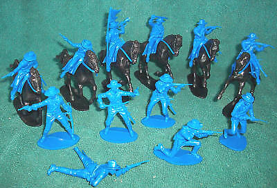 Airfix US cavalry 12 figures 6 on foot, and 6 mounted