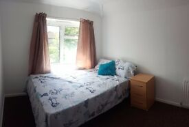 Great Double Room in Marston (71HAC6)