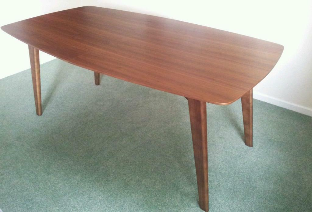 Dwell Circa Extendable Dining Table Walnut 6 10 Seat