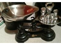 Black cast-iron scales with chrome and the weights