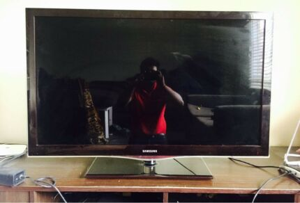 "Samsung ""40"" inches Full HD Series 7 LED/LCD TV"