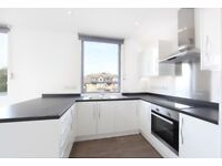 CR2 - BARTLETT STREET - A STUNNING 2 BED FLAT ON THE FIRST FLOOR MOMENTS FROM SOUTH CROYDON STATION