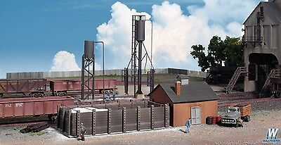 - 3182 Walthers Cornerstone Sanding Towers & Drying House HO Scale