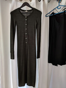 Aritzia button up bodycon dress in olive green (size small)