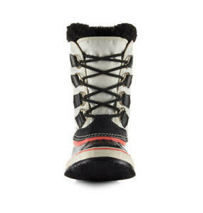 Carnival sorel boots LIKE BRAND NEW