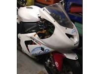 2004 zx10r race fairings and fuel tank, 04 track race bike 05 2005