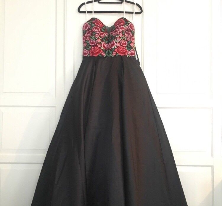 Formal/prom Dress size 10-12   in Lurgan, County Armagh   Gumtree